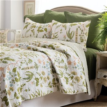 Quilts  and  Bedding from C and F Enterprises