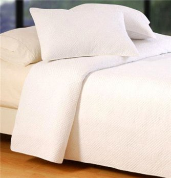 Hampton Matelasse White Twin Quilt