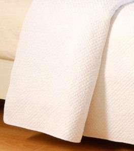 Hampton Matelasse White Quilted Throw