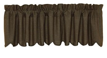 Kettle Grove Scalloped Plaid Valance 16 x 72