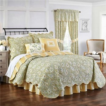 Waverly Paisley Verveine Queen Quilt Collection