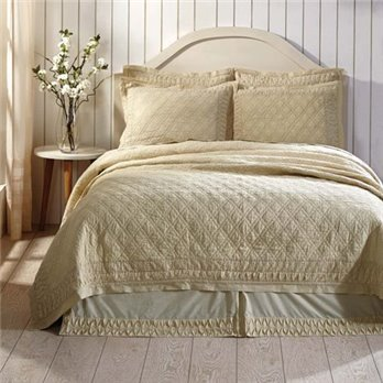 Adelia Creme Luxury King Quilt 105x120