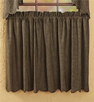 Kettle Grove Plaid Scalloped Tiers 36 x 36