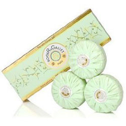 Green Tea Perfumed Soaps Box of 3 by Roger & Gallet (3 x 3.5 oz.)