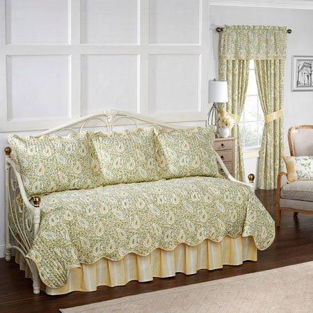 Waverly Paisley Verveine Daybed Reversible Quilt Collection