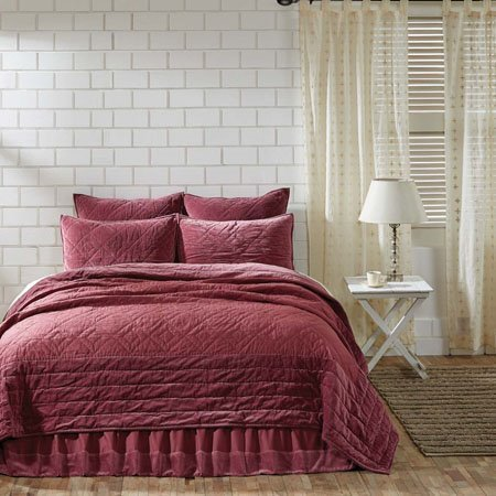 Eleanor Mauve Twin Quilt 86x68