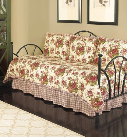 Waverly Norfolk Reversible 5 Piece Quilt Daybed Collection