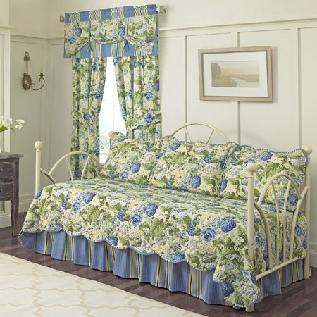 Floral Flourish Waverly Daybed Quilt Set