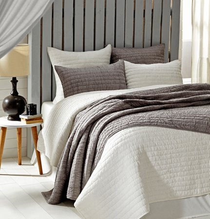 Rochelle Creme 2 Piece Twin Quilt Set