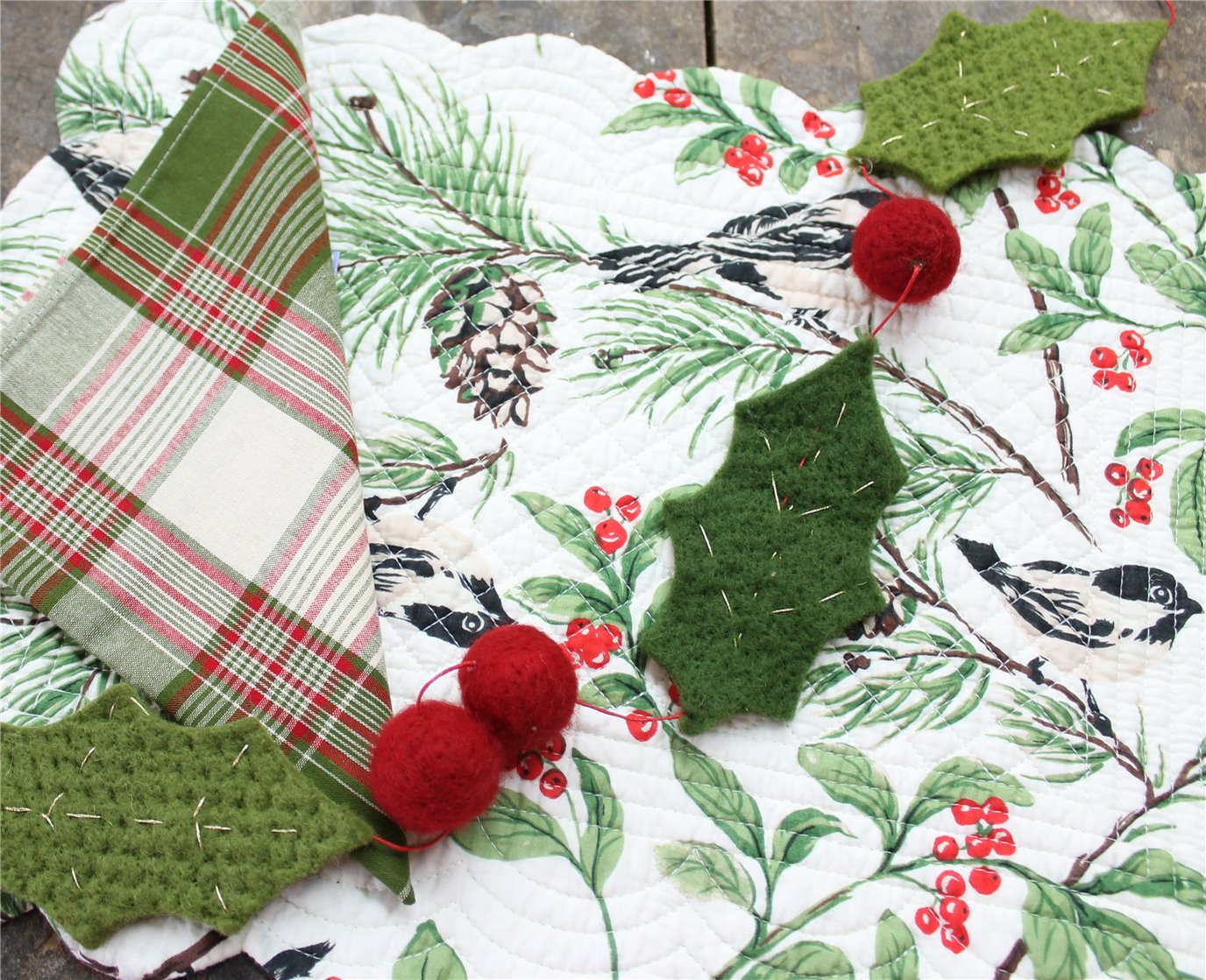 Holiday Tabletop: Placemats, Napkins, Accessories