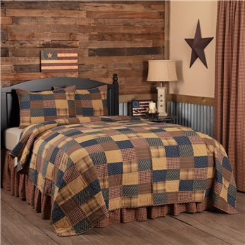 Patriotic Patch King Quilt Set; 1-Quilt 110Wx97L w/2 Shams 21x37