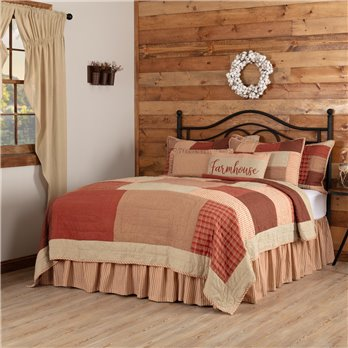Rory Schoolhouse Red Luxury King Quilt 120Wx105L