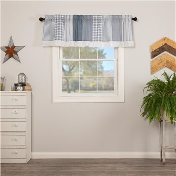 Sawyer Mill Blue Patchwork Valance 19x60