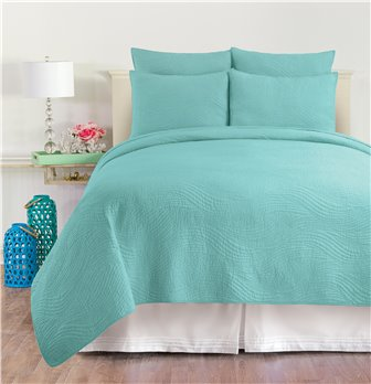 Tranquil Waves Aqua Queen Quilt Set
