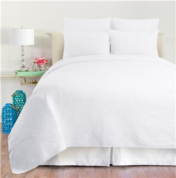 Tranquil Waves White Twin Quilt Set