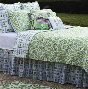 Boxwood Abbey Twin Quilt