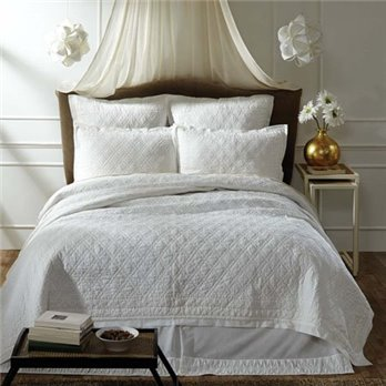 Adelia White Queen Size Quilt