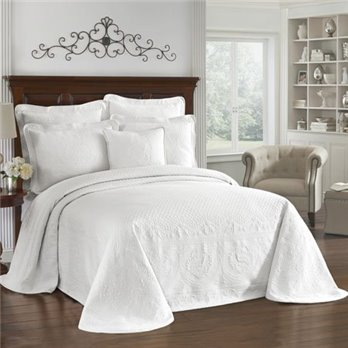 King Charles Matelasse White Queen Bedspread