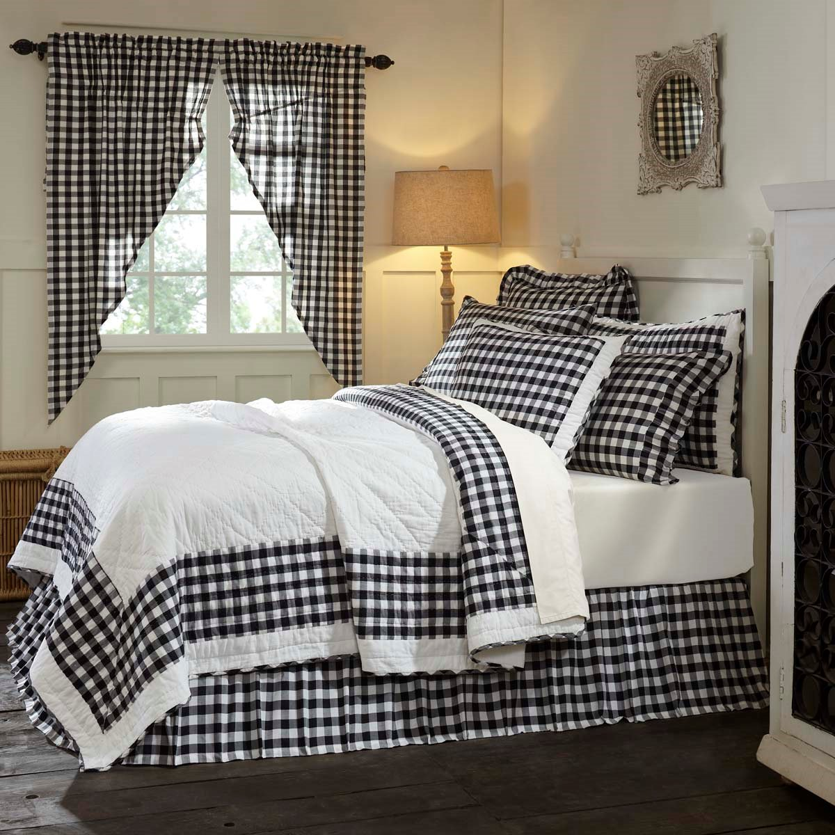 Annie Buffalo Black Check Twin Quilt 86x68