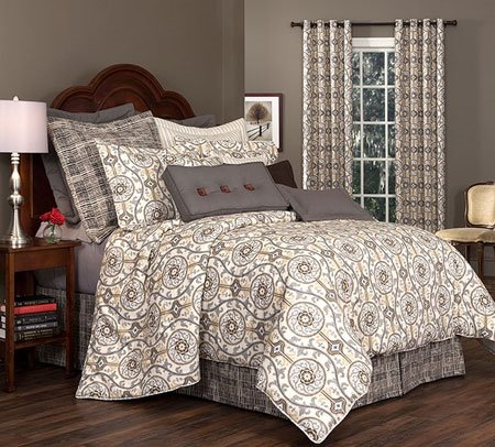 "Izmir Queen Thomasville Comforter Set (15"" bedskirt)"