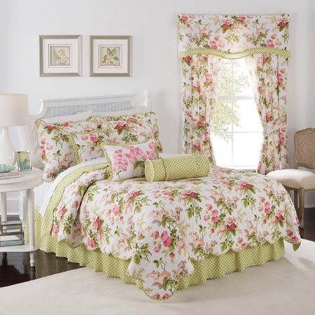 Emma's Garden Blossom King Waverly 4 piece Quilt Set