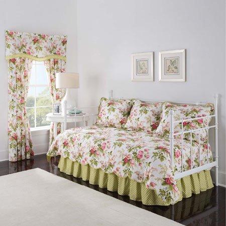 Emma's Garden Waverly Daybed Quilt Set