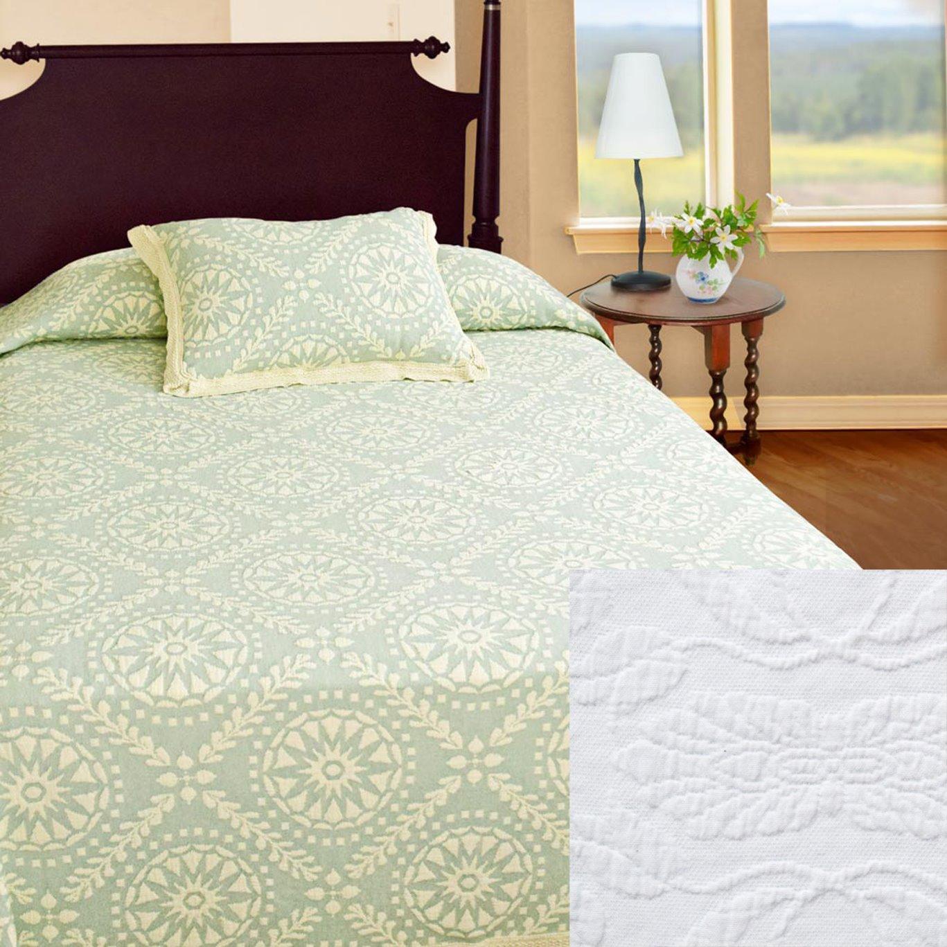 Americana Queen White Bedspread