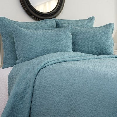 Manchester Aegean King Quilt 3 Piece Set