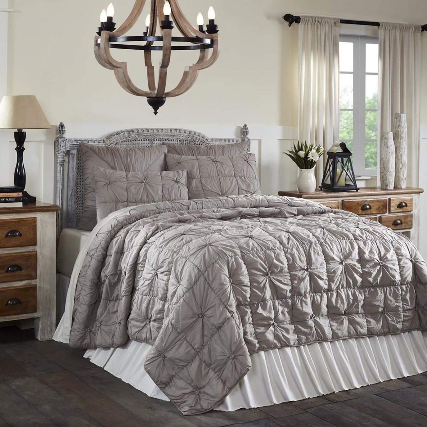 Camille Taupe Queen Set; Quilt 90Wx90L-2 Shams 21x27