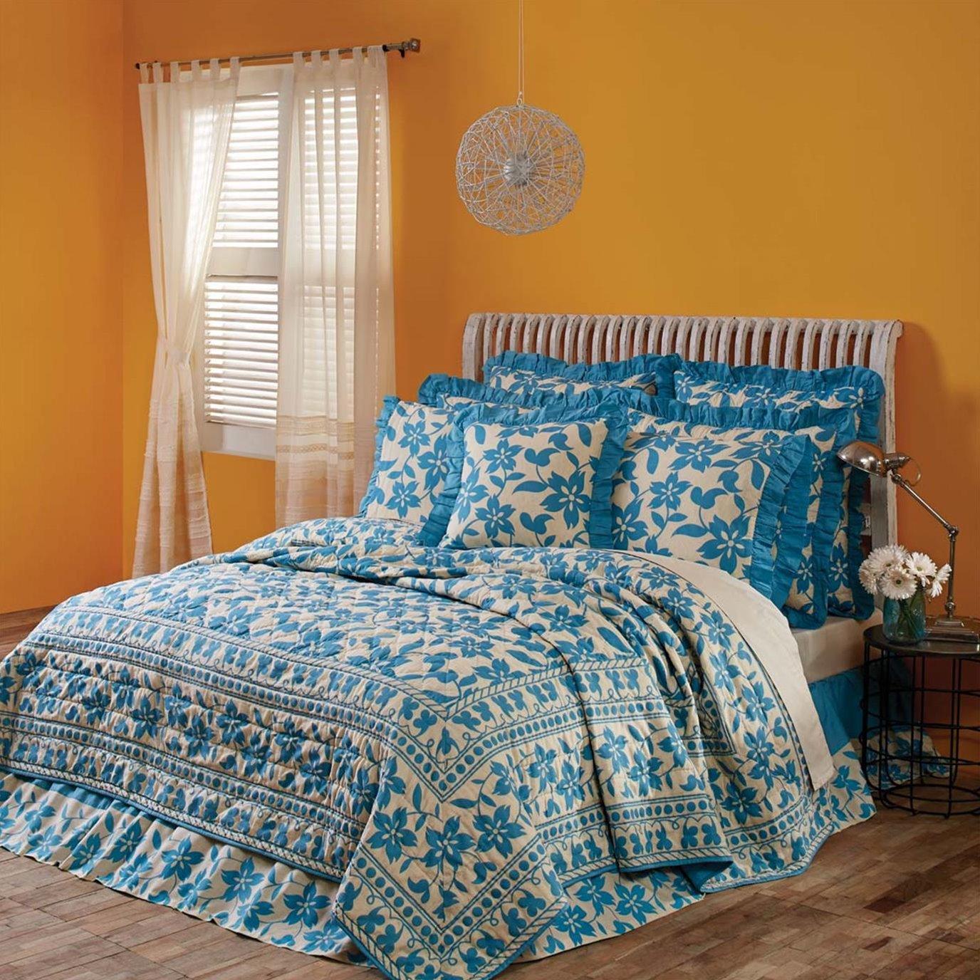 Briar Azure Luxury King Quilt 120Wx105L