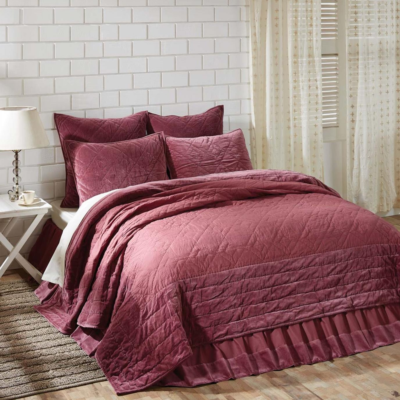 Eleanor Mauve Queen Quilt 90Wx90L