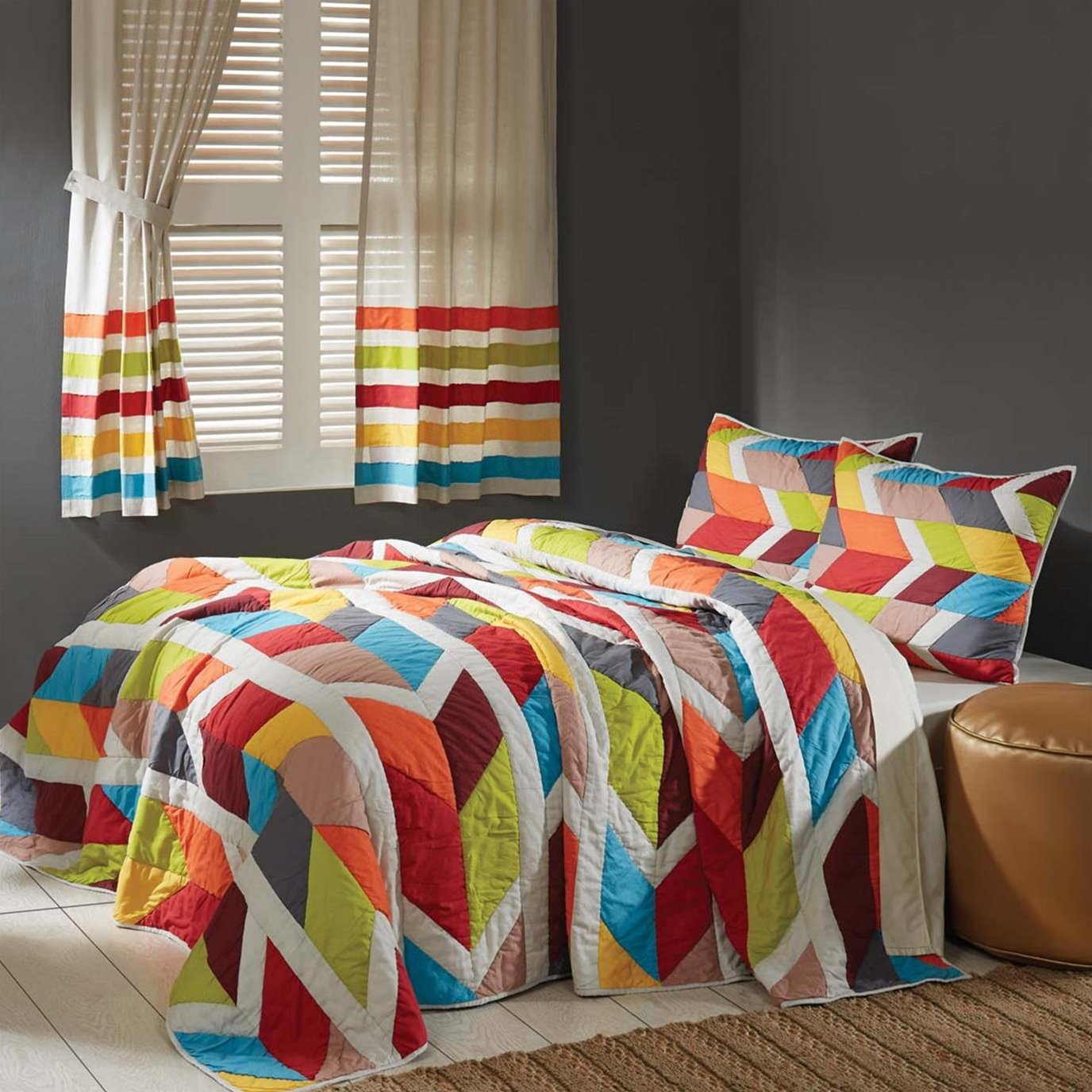 Rowan Queen Set; Quilt 90Wx90L-2 Shams 21x27
