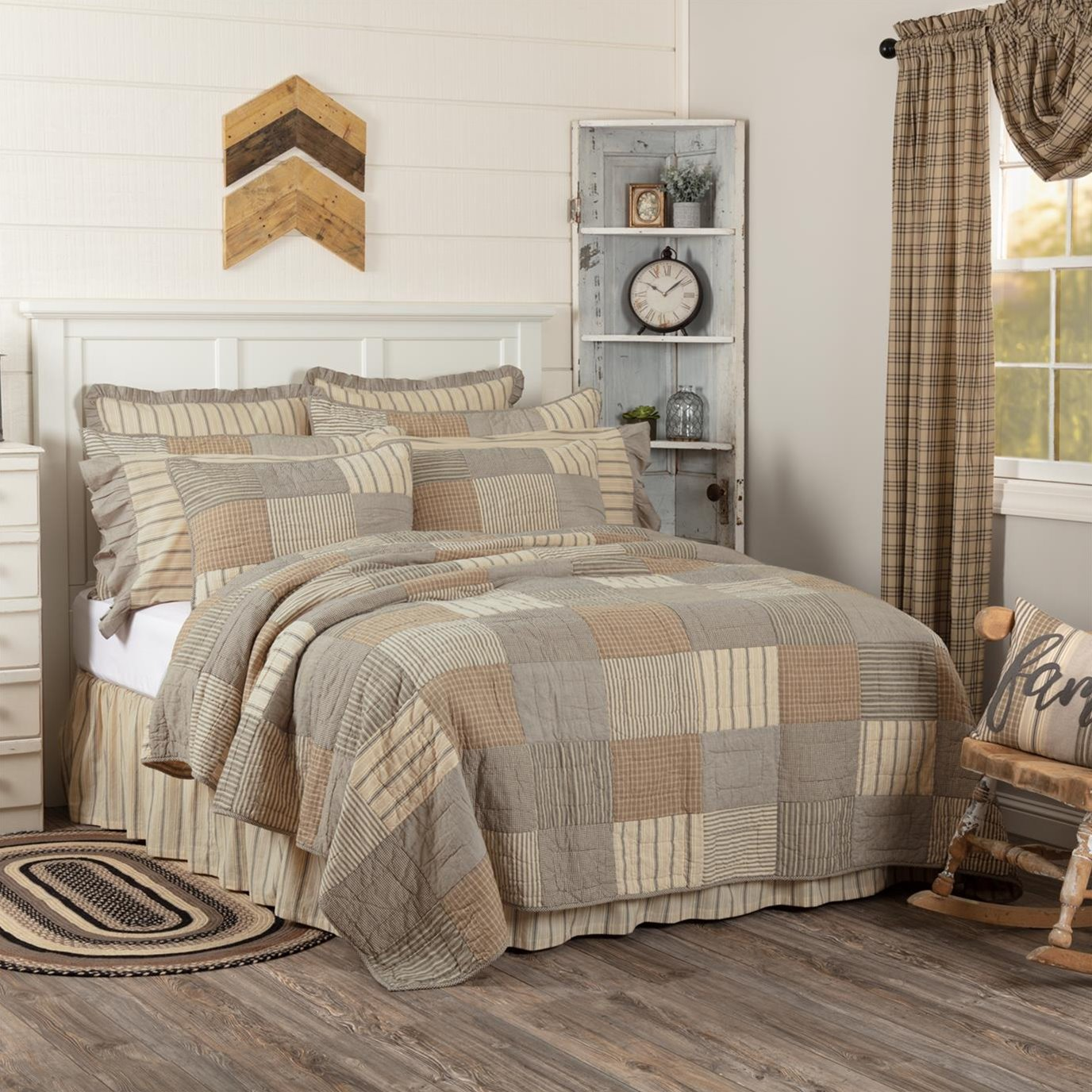 Sawyer Mill Charcoal Luxury King Quilt 120Wx105L