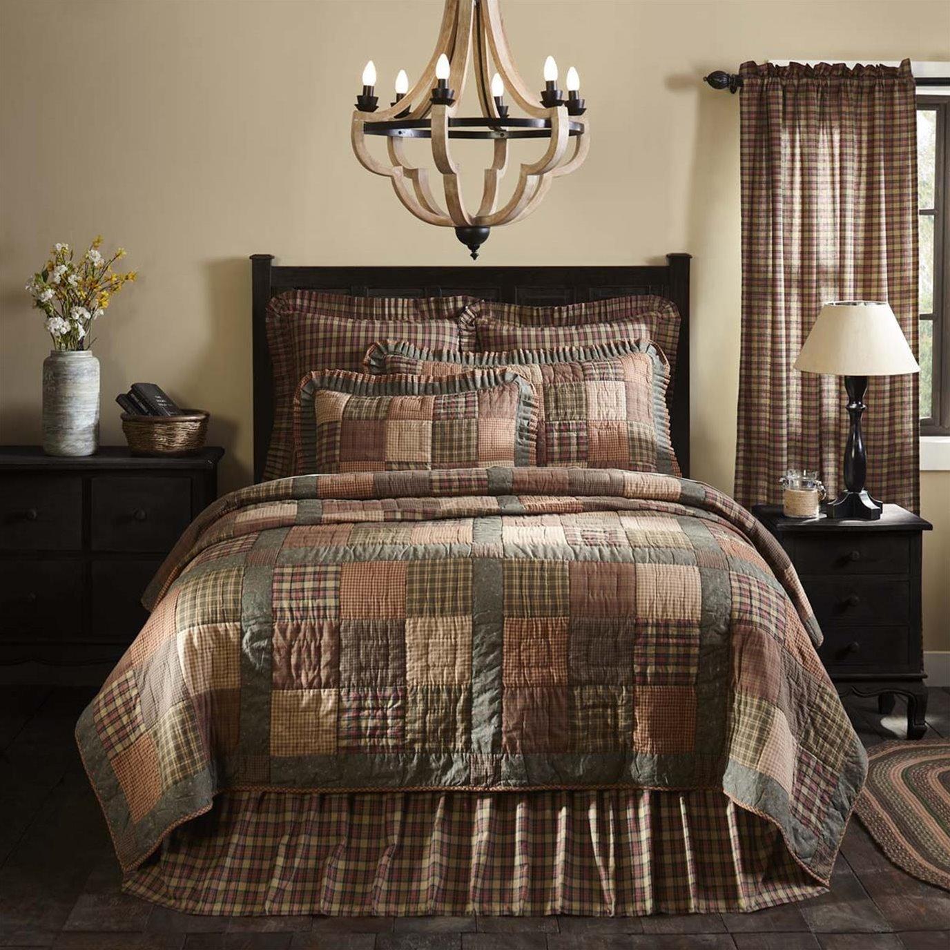Crosswoods King Quilt 105Wx95L