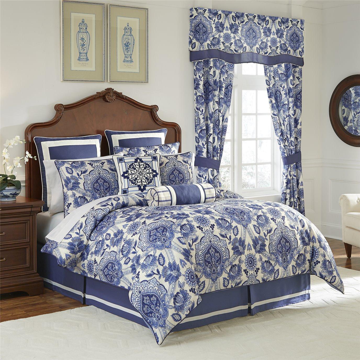 Leland Queen 4 Piece Comforter set