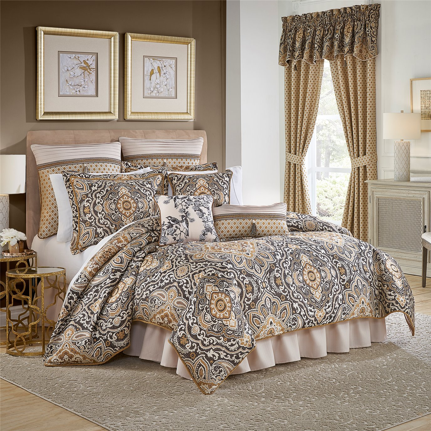 Philomena King 4 Piece Comforter set