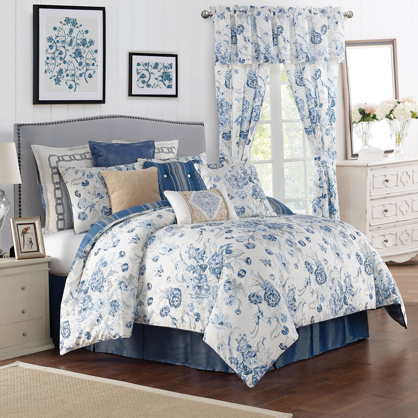 Ardenelle 4 Piece Queen Comforter Set