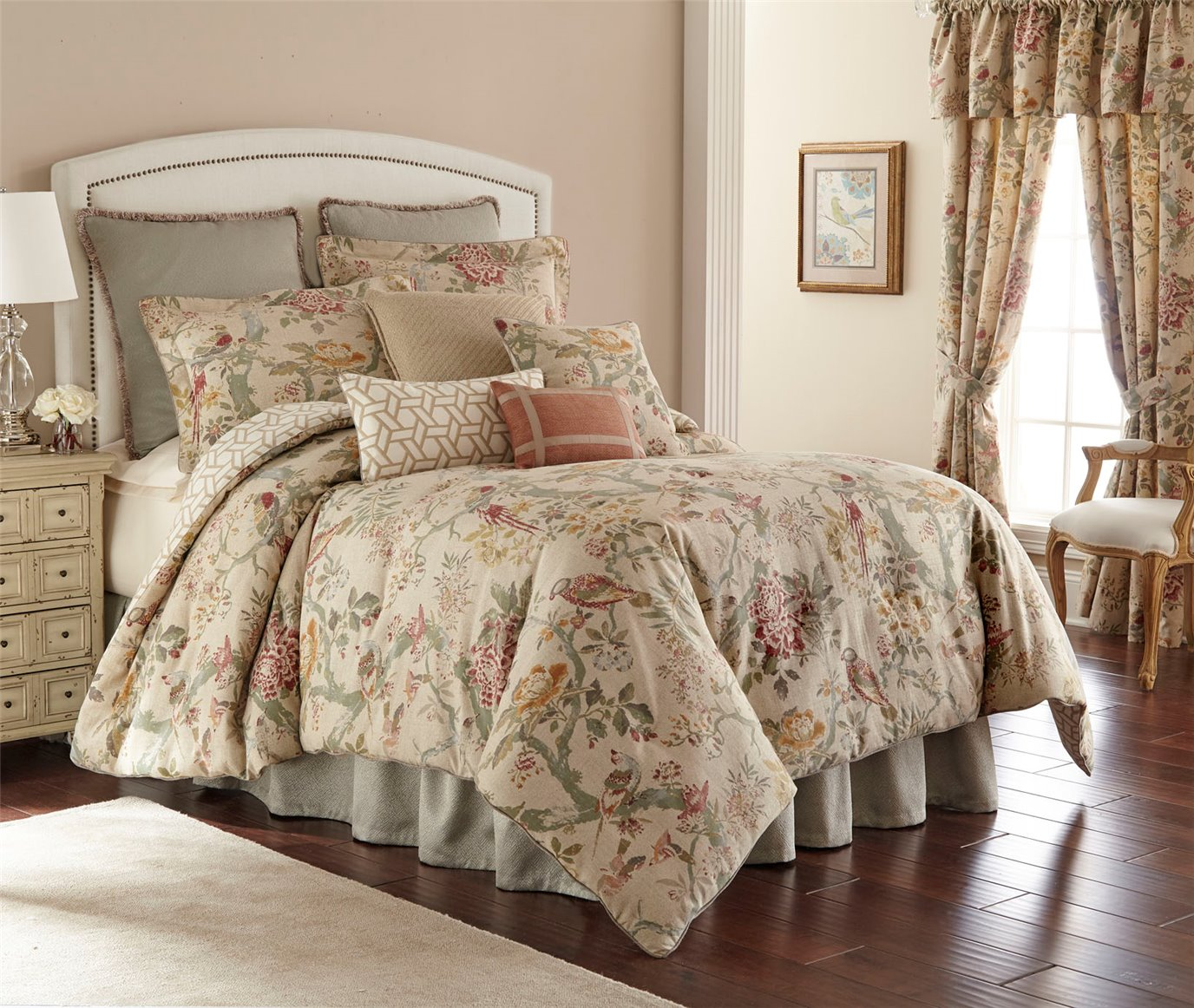 Biccari Floral 4 Piece Queen Comforter Set