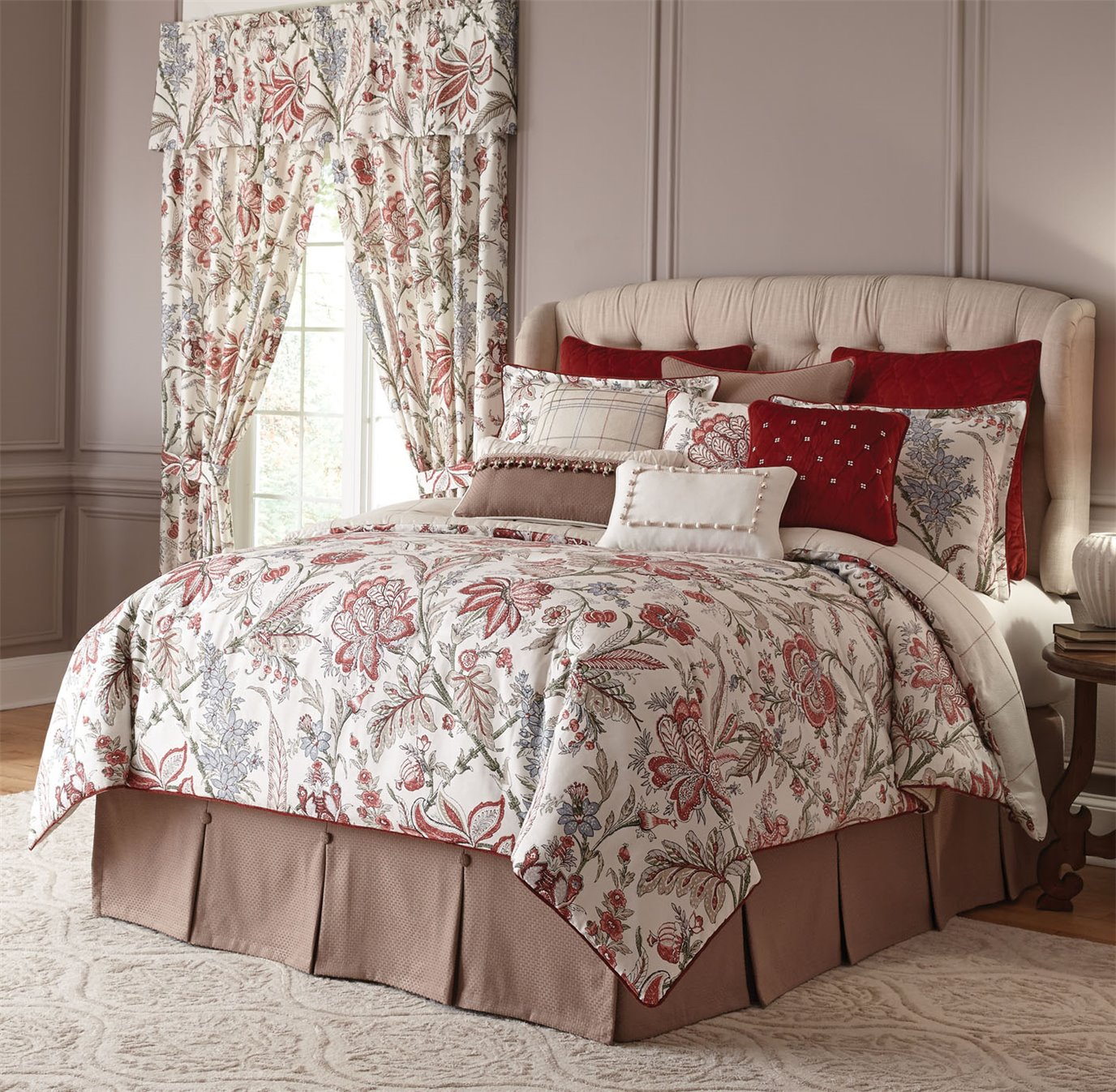 Izabelle 4 Piece Queen Comforter Set
