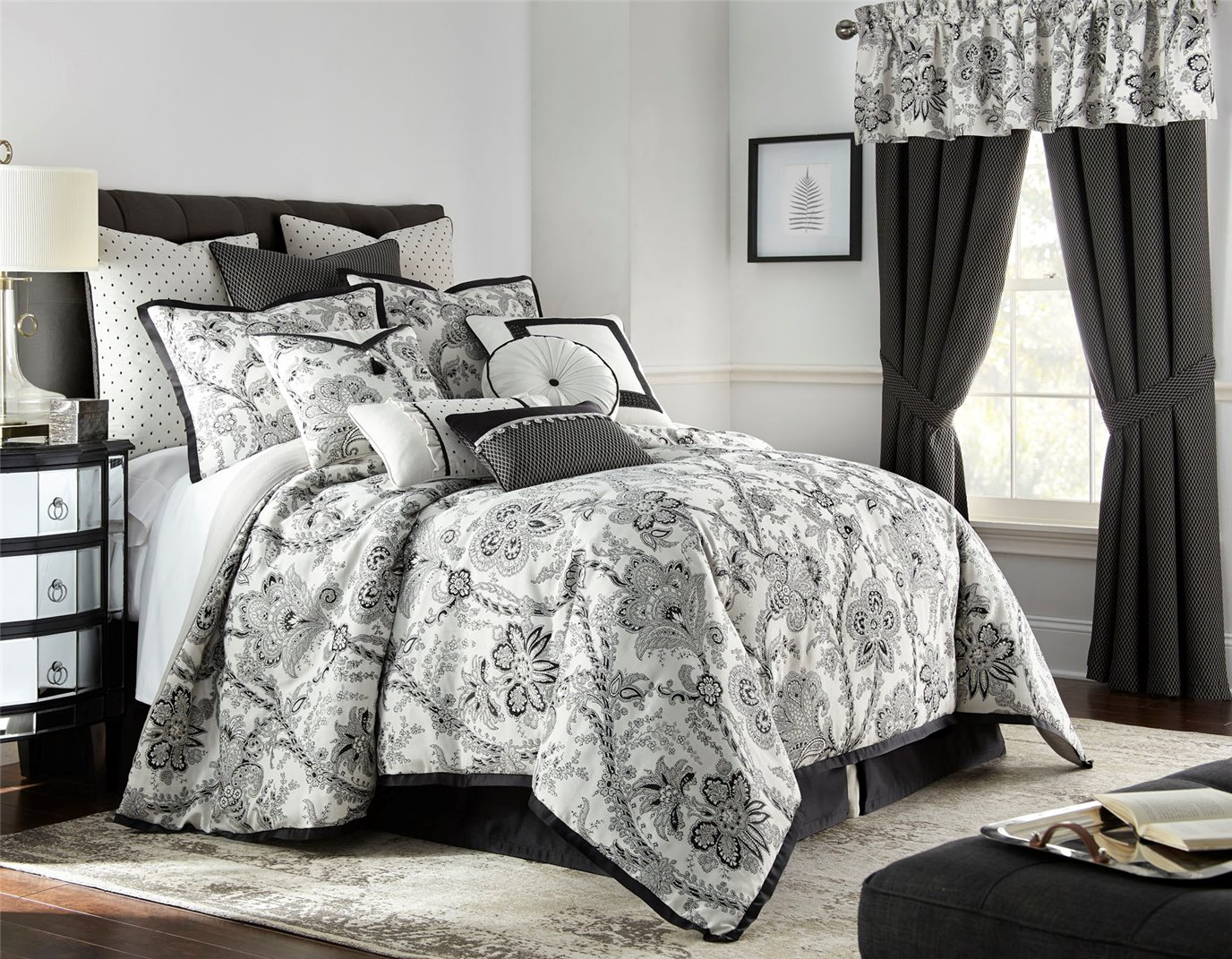 Valencia 4 Piece King Comforter Set