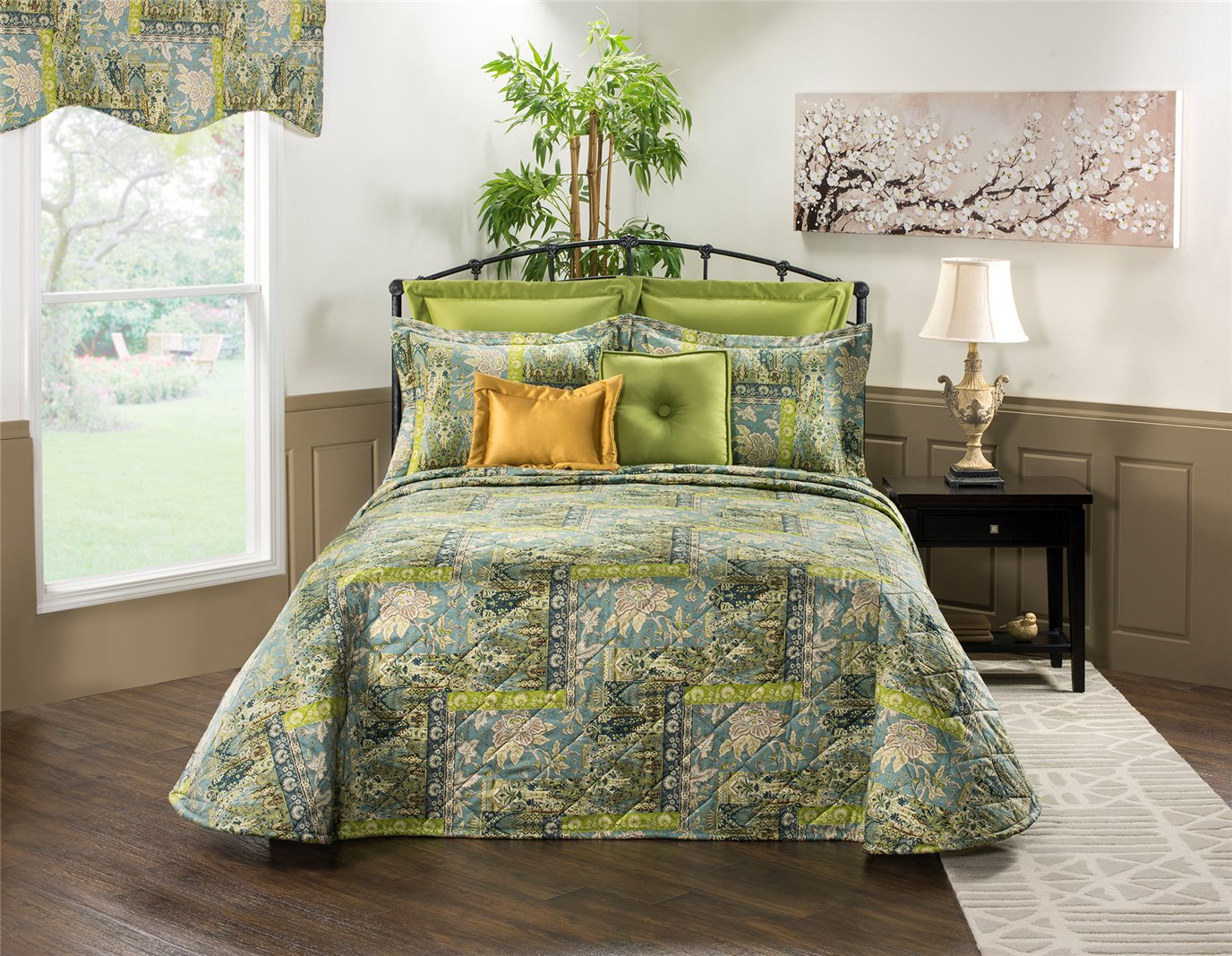 Tangier Queen Bedspread