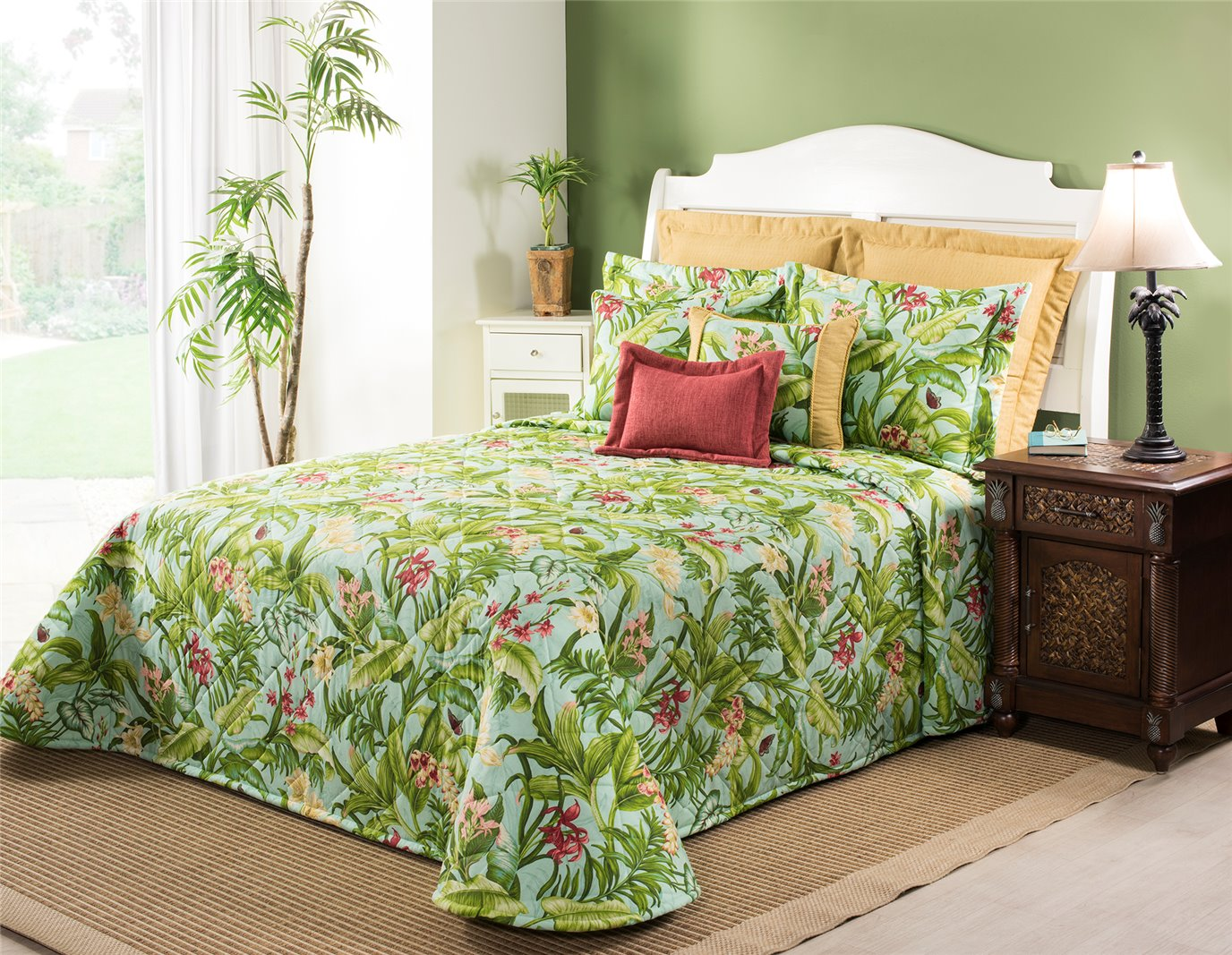 Wailea Coast Bloom Bedspread-Queen