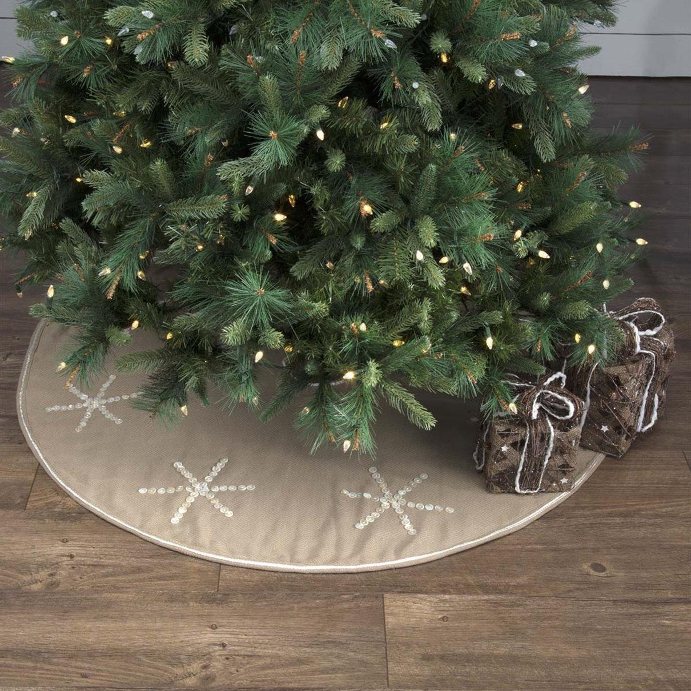 Pearlescent Tree Skirt 48