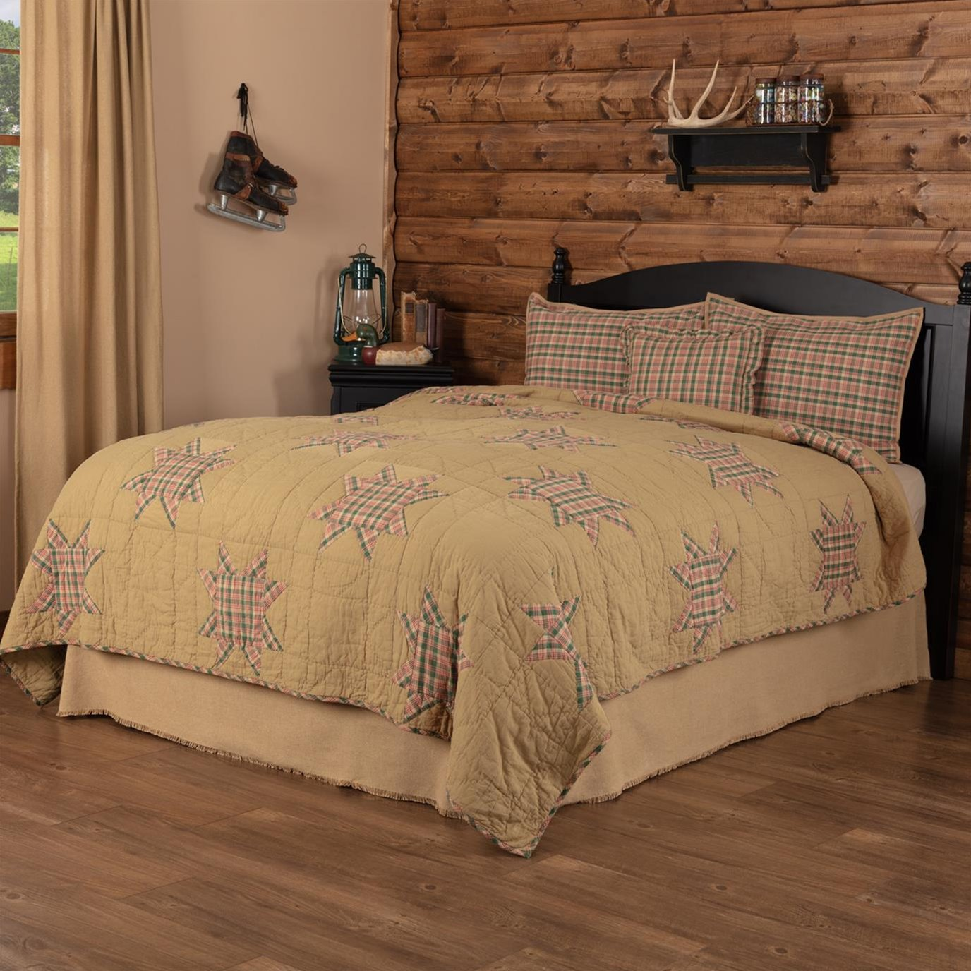 Rustic Star Queen Quilt Set; 1-Quilt 90Wx90L w/2 Shams 21x27, 1-Pillow Cover 16x16