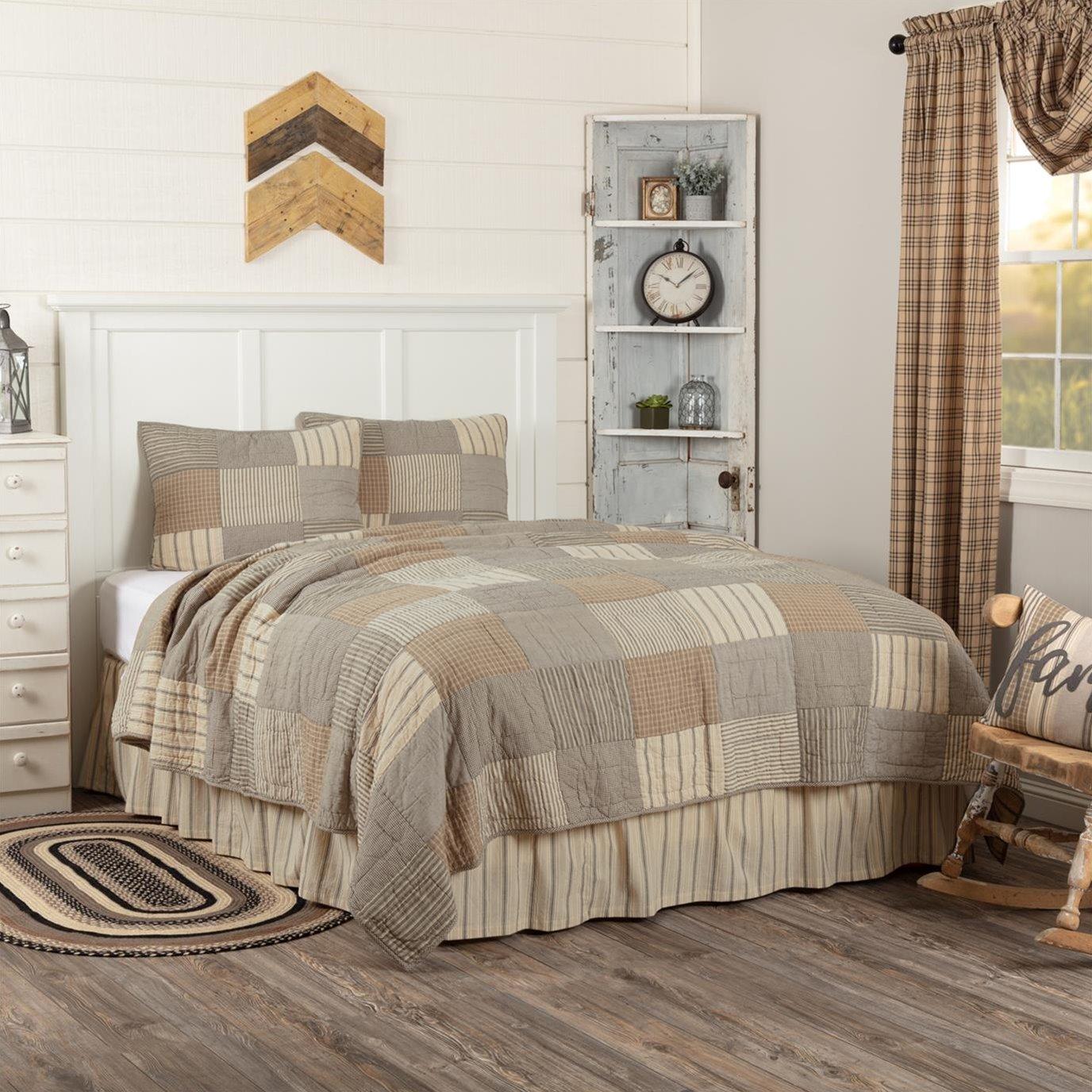 Sawyer Mill Charcoal Queen Quilt Set; 1-Quilt 90Wx90L w/2 Shams 21x27