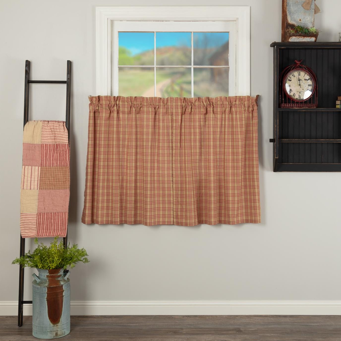 Sawyer Mill Red Plaid Tier Set of 2 L36xW36