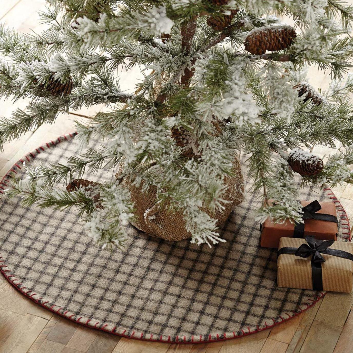 Weston Mini Tree Skirt 21