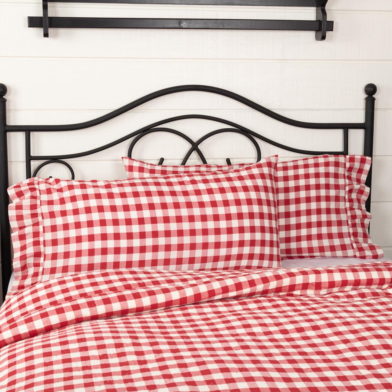 Annie Buffalo Red Check King Pillow Case Set of 2 21x36+4