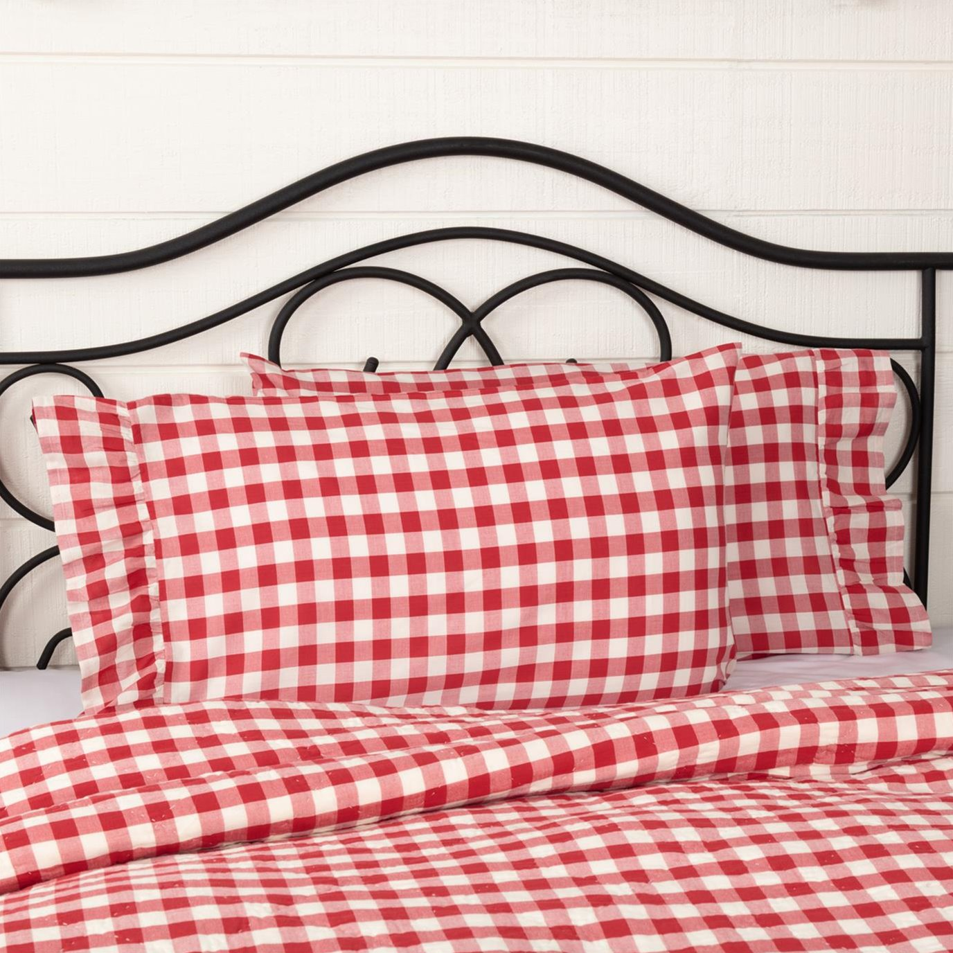 Annie Buffalo Red Check Standard Pillow Case Set of 2 21x30+4