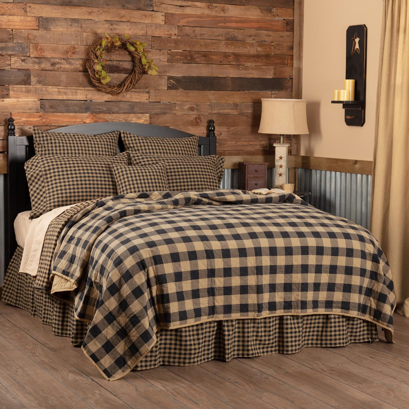 Black Check Queen Quilt Coverlet 90Wx90L